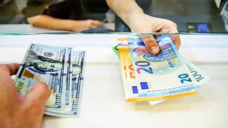 Tips On How To Exchange Foreign Currency When Traveling Abroad